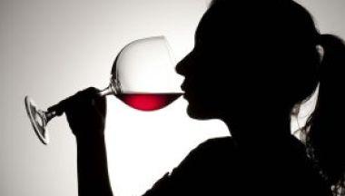 Il consumo di alcol spegne ciò che ci rende Sapiens