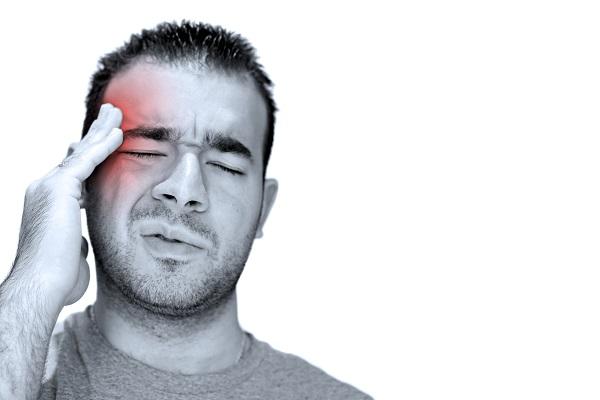 Mal di testa: tipologie, sintomi e cause scatenanti