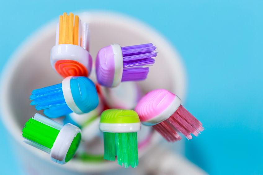 spazzolino da denti elettrico o manuale