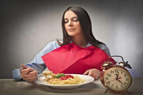 Mangiare pasta a cena fa male: tutta la verità